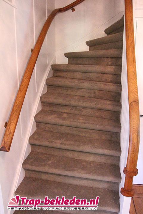 Hoeveel meter vloerbedekking voor een trap bouwmaterialen for Hoeveel traptreden heeft een trap